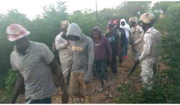 Cesfront detiene un grupo 30 indocumentados en Manzanillo