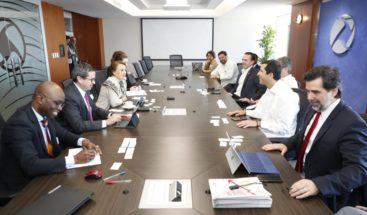 Representantes de la Industria eléctrica se reúnen con misión del FMI