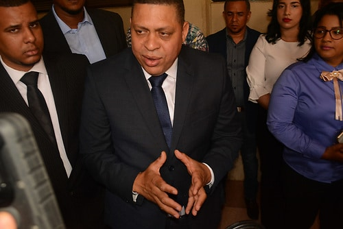 Procurador fiscal de Santiago afirma autoridades trabajan para esclarecer delitos