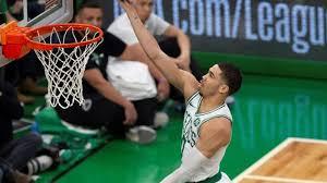 109-111. Tatum dirige la victoria de los Celtics