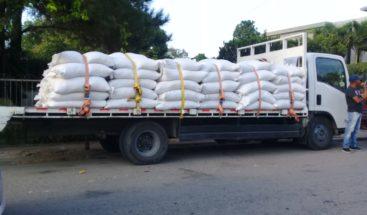 Entregan alimentos a ganaderos en la provincia Dajabón