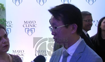 Especialistas dictan conferencia sobre manejo de pacientes candidatos a cirugía de columna