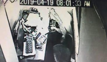 Apresan a hombre penetró a robar a las oficinas de Asociación de Minibuses en Ocoa