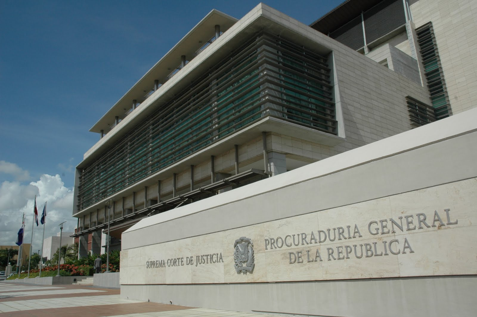 Ministerio público otorgará fuerza pública por orden judicial en caso de inmueble embargado en Santiago