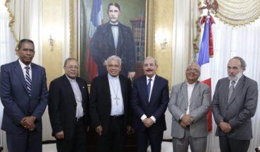 Presidente Medina sostiene encuentro con monseñores Ozoria, Benito Ángeles y Burgos