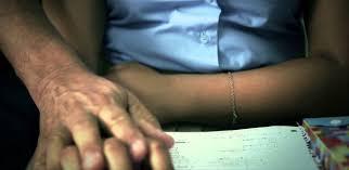 Envían a prisión a profesor acusado de acoso sexual de menor en centro educativo