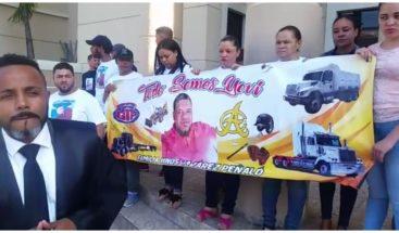 Camioneros exigen cierre de clínica en La Vega denuncian mala práctica médica contra un compañero