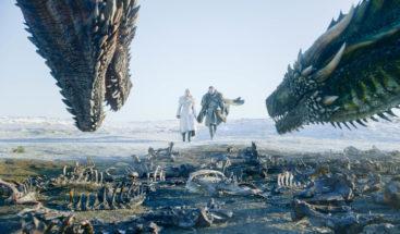 El elenco de 'Juego de tronos' celebra la última temporada con fotos detrás de las cámaras