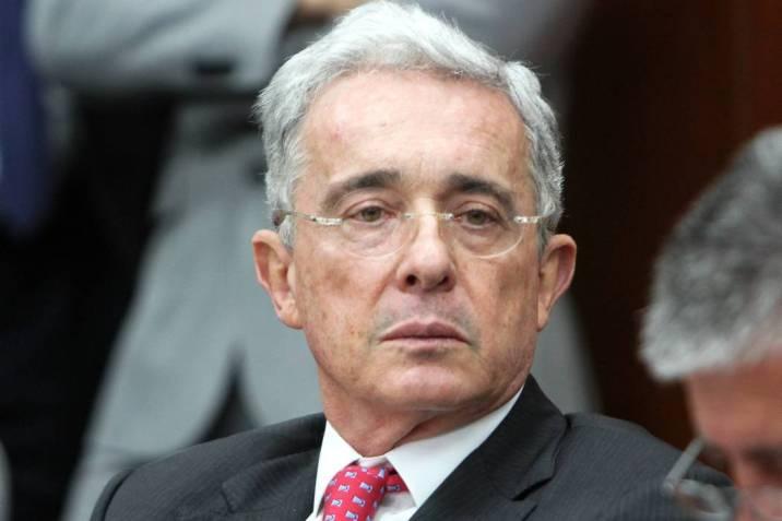 Ex presidente de Colombia Alvaro Uribe denuncia interceptaciónllamada telefónica