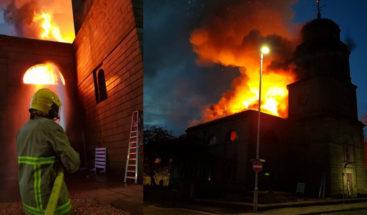 Un gran incendio arrasa una iglesia del siglo XVIII en Inglaterra