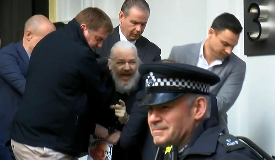 Julian Assange, el exhacker que hipotecó su vida para contar su verdad