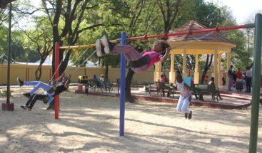 ASDE entrega totalmente remozado el parque de Los Billeteros