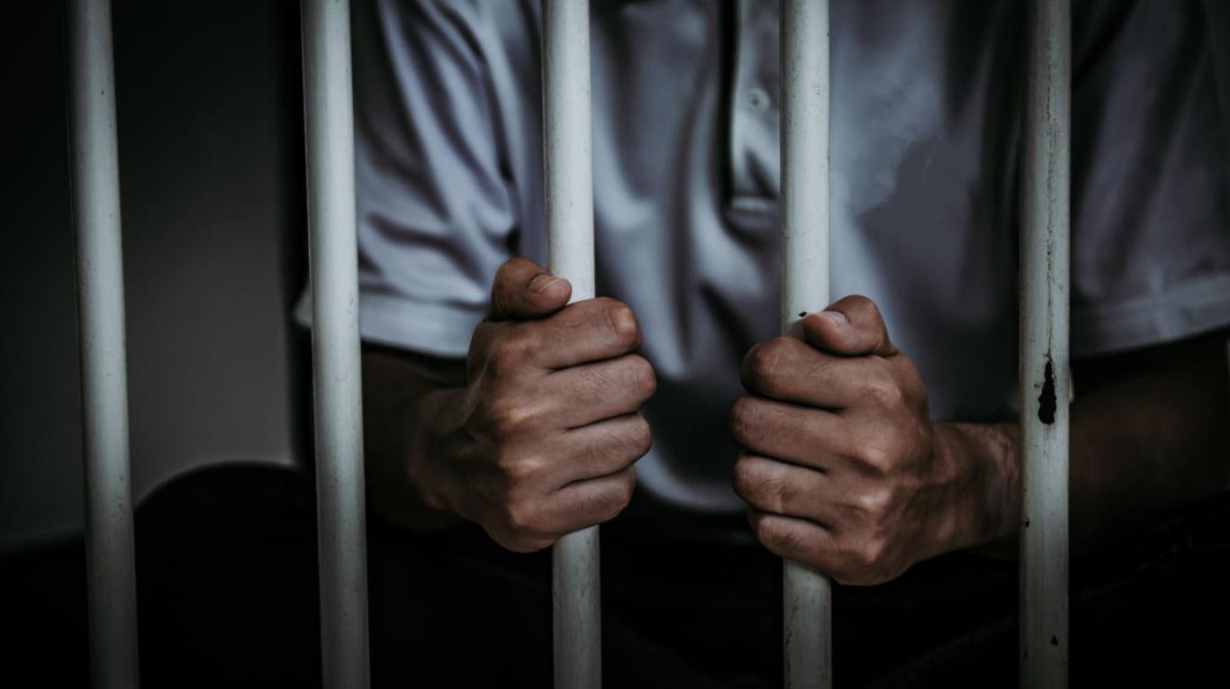 Dictan prisión preventiva contra hombre implicado en tráfico de drogas en Pedernales