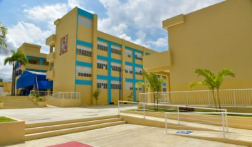 Presidente Medina entrega dos centros educativos en el municipio Pedro Brand