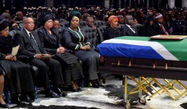 Retiran los cargos por irregularidades millonarias en el funeral de Mandela