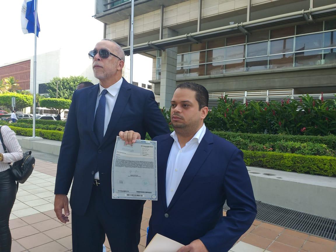 Empresario denunciaConstructora Rizek & Asociados está ocupando ilegalmente unos terrenos