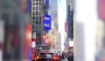 Nueva York: Se incendia un cartel digital en Times Square