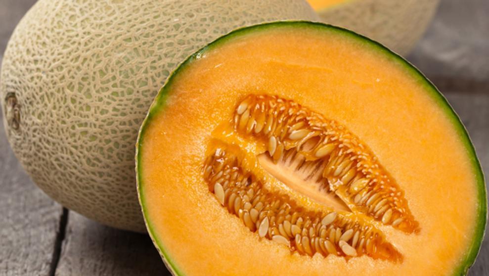 Subastados por un precio récord de 40.800 euros dos melones en Japón