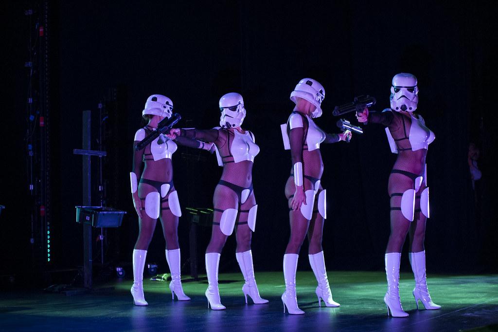 Nueva York honra Star Wars con un lascivo burlesque: