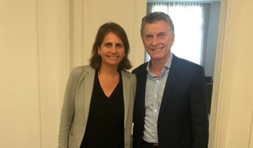 Macri recibe a científica pública que ganó concurso de TV para obtener fondos