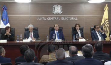 Decisión JCE que eliminar parcialmente el arrastre de senadores desata avispero