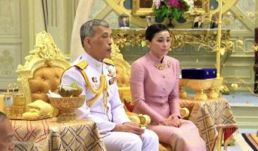 Tailandia publica los primeros retratos oficiales de la reina Suthida