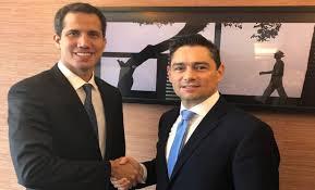Guaidó pide a su representante en EEUU coordinar cooperación con Comando Sur