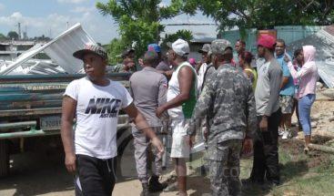 Decenas de personas denuncian frente al Tribunal de Tierras que fueron desalojados de manera violenta
