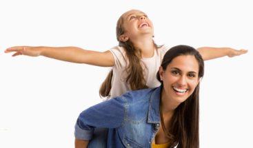 La Pizarra: Tía Emma continúa hablando sobre los tipos de mamá que existen