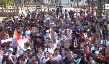 Ciudad de México se inunda de besos para luchar contra la homofobia