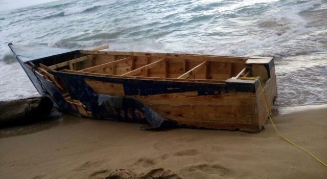 Patrulla Fronteriza atrapa a dos dominicanos que iban en yola a Puerto Rico