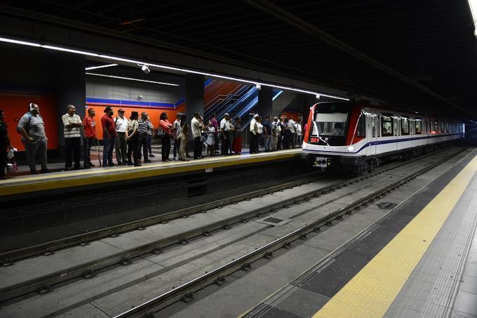 Continúa falla técnica en Línea 2 del Metro