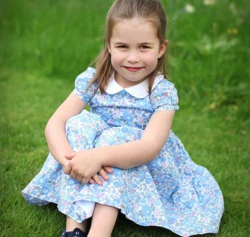 Tres nuevas fotografías marcan el cuarto cumpleaños de la princesa Carlota