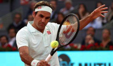 Federer asegura que solo Nadal sirve para saber su estado en tierra