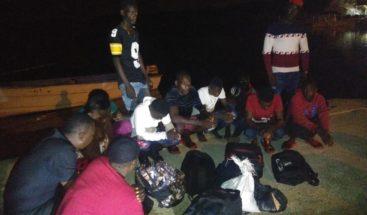 Interceptan 3 embarcaciones clandestinas y apresan a 20 nacionales haitianos en Montecristi