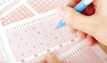 Una mujer gana la lotería gracias a los números que soñó hace 24 años