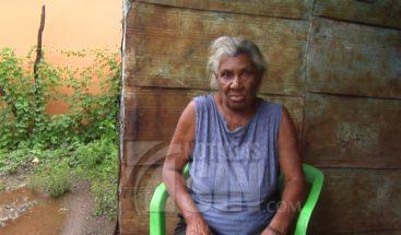 Señora recibe donación de una vivienda tras historia presentada en Noticias SIN