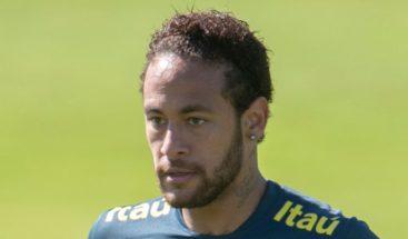 Neymar divulga los mensajes íntimos de la mujer que lo acusa de violación