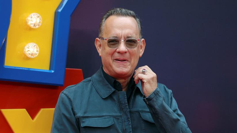 VIDEO: Tom Hanks acepta un reto y 'roba' en una tienda ante los ojos de todos