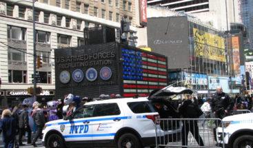 Arrestan a un hombre que planeaba lanzar explosivos en Times Square, según la policía