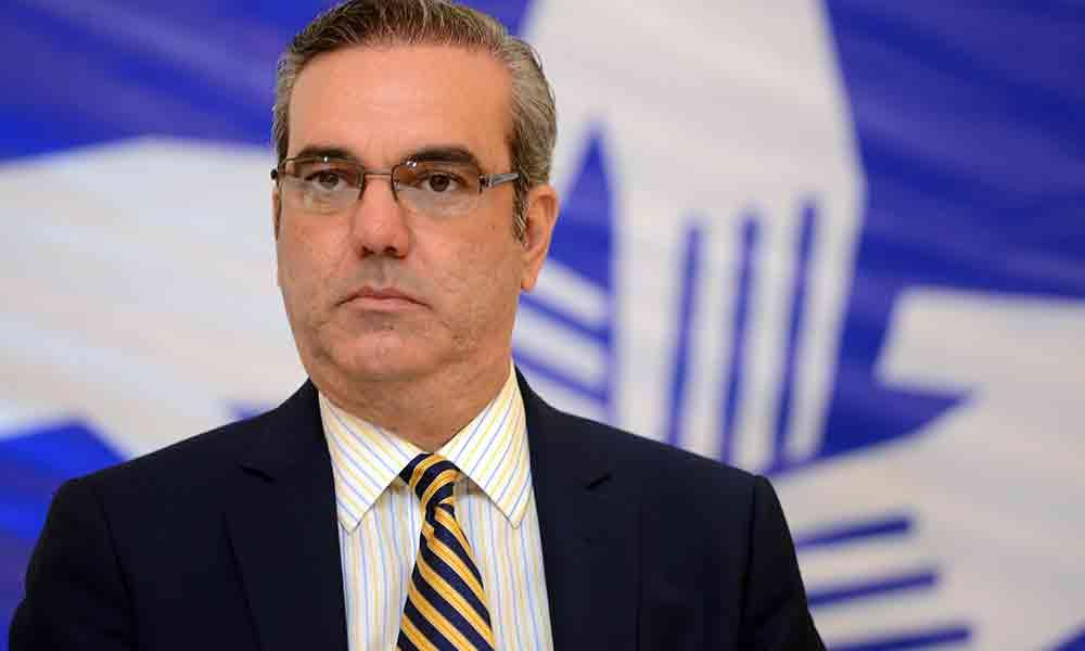Abinader asegura Medina y Leonel quieren negociar reforma constitucional a su conveniencia