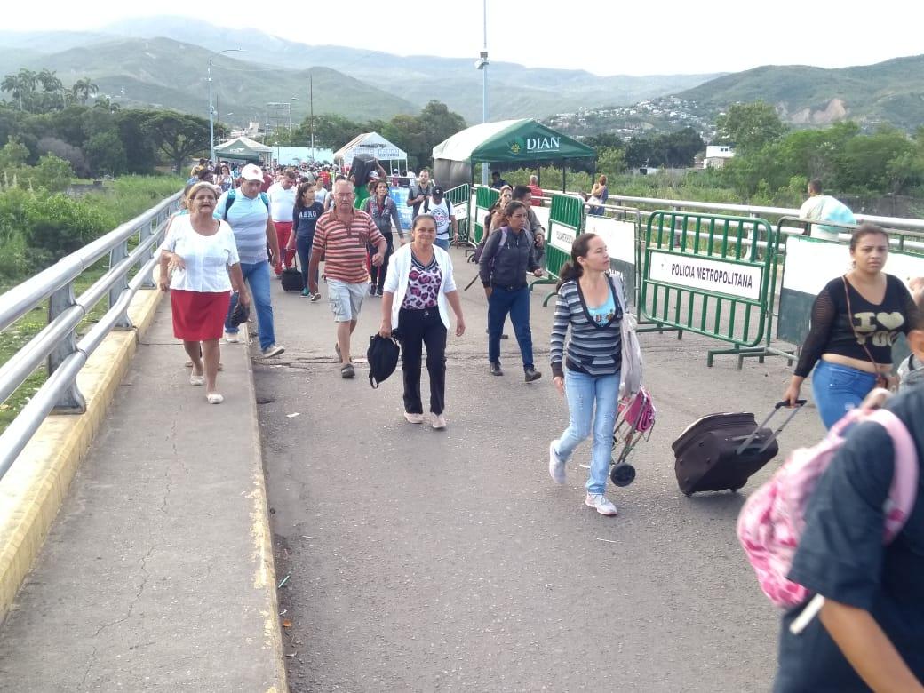 Maduro ordena la reapertura de pasos fronterizos con Colombia