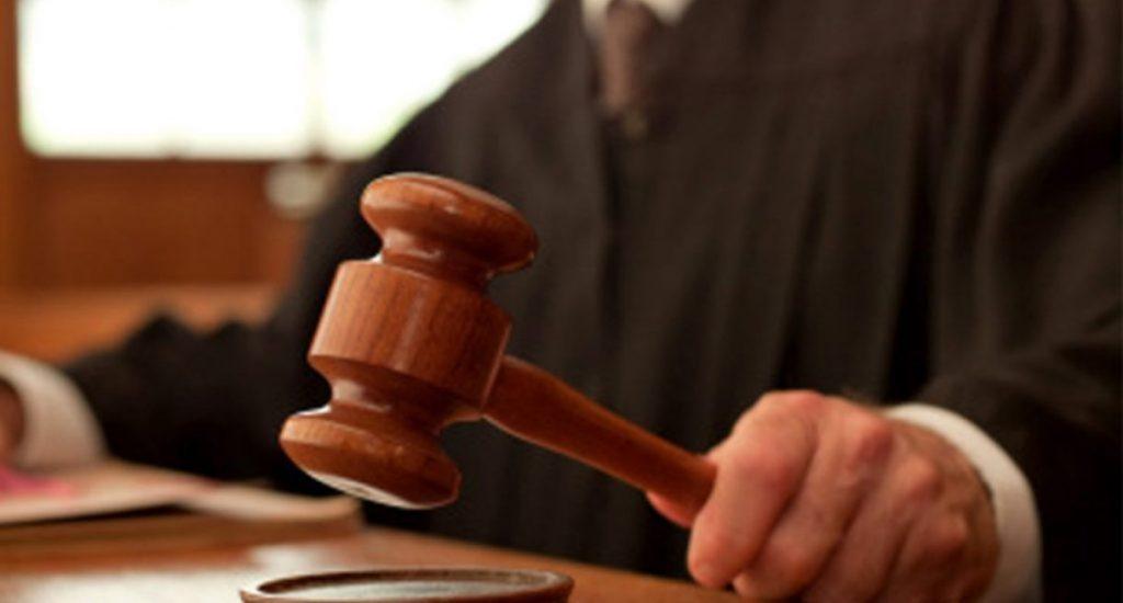 Condenan a 30 años de prisión contra hombre que incendió vehículo en marquesina