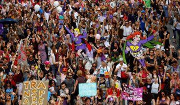 Las suizas salen a la calle en una jornada de paro nacional para reclamar la igualdad real