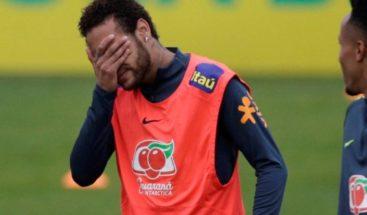 Exabogado de mujer que acusa a Neymar niega