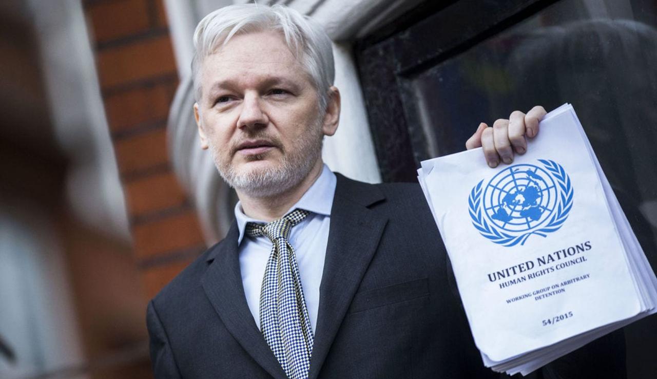 Assange tiene miedo de ser extraditado a EE.UU., dice informático sueco Bini