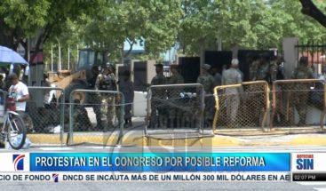 Fuera del Congreso más de 3,600 policías y militares resguardan seguridad; organizaciones protestan