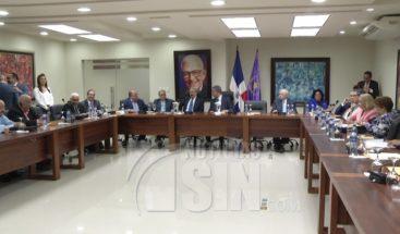 Diputados del PLD afirman mediación de Reinaldo Pared es una luz al final del túnel a conflicto interno