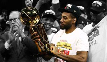 Leonard, de la frustración y la polémica, a campeón de la NBA y premio MVP