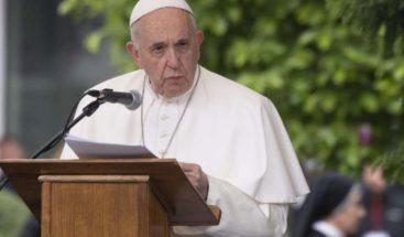 Papa Francisco acepta renuncia de obispo acusado de abuso sexual